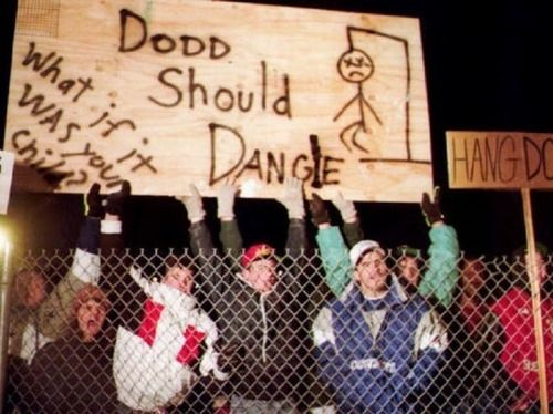 Outside the prison on the night of serial killer Westley Allan Dodd's execution, January 5, 1993.