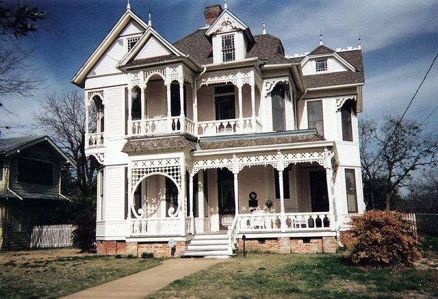 Eastlake Victorian on Marvin Avenue by saltycotton