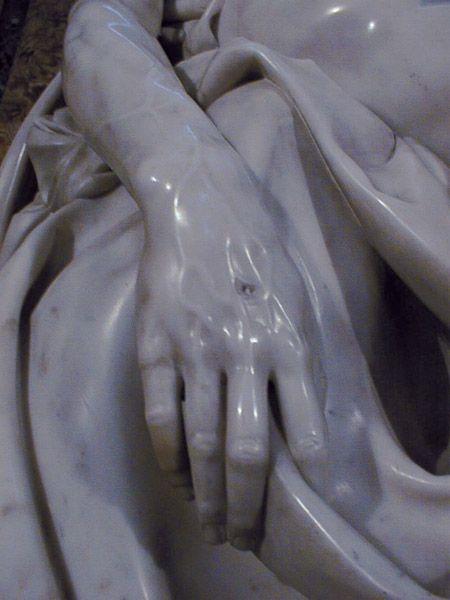 Arte - Escultura - Itália - MICHELANGELO - PIETÁ - Mão de Cristo - Detalhe