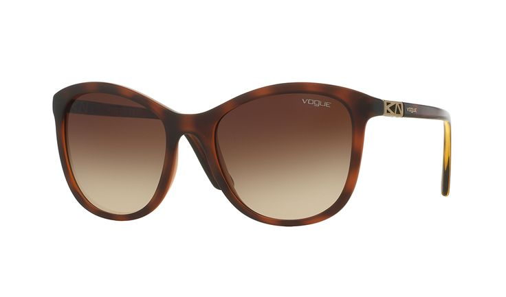 Discover the Vogue Eyewear sunglasses collection, distinguished by great variety of frames and colors.