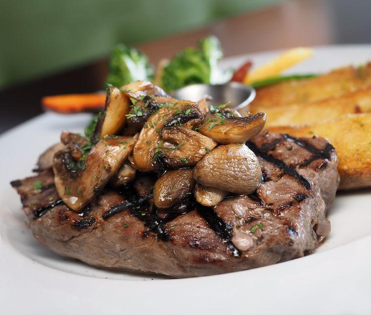 Read our guide to dining out in La Crosse, Wisconsin, a vibrant community and a great place to find a juicy steak or fresh-cooked seafood.