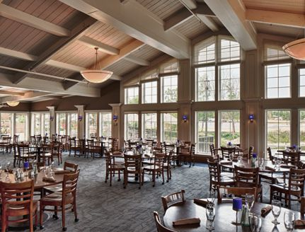 Wedding reception hall at Columbus Ohio wedding venue NorthPointe hotel and conference center. Edgewater Room.