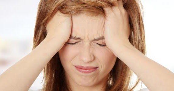 علاج الصداع الشديد بالاعشاب الأشخاص من جميع الأعمار وجميع مناحي الحياة يعانون من الصداع بشكل Natural Headache Remedies Headache Remedies How To Stop Dizziness