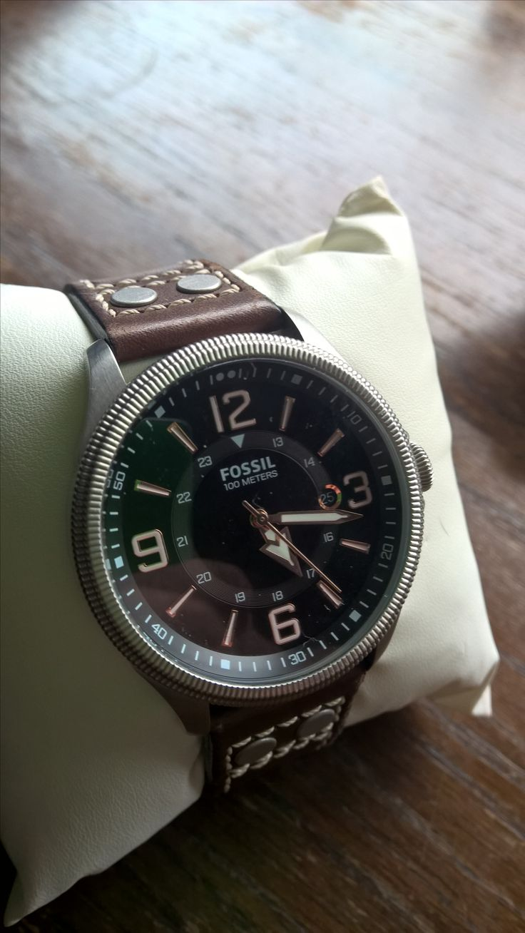 Fossil Recruiter FS4962 - bought at the terminal for the Channel Tunnel when I realised I had not bought a watch with me and it was on sale. I really like the style of the  watch but sadly the crown wheel has broken - is it worth repairing?