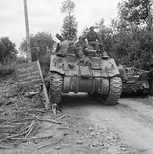 Blindé Sherman de la 29th Armoured Brigade / 11th Arm-Div en Normandie le 11 juin 1944.