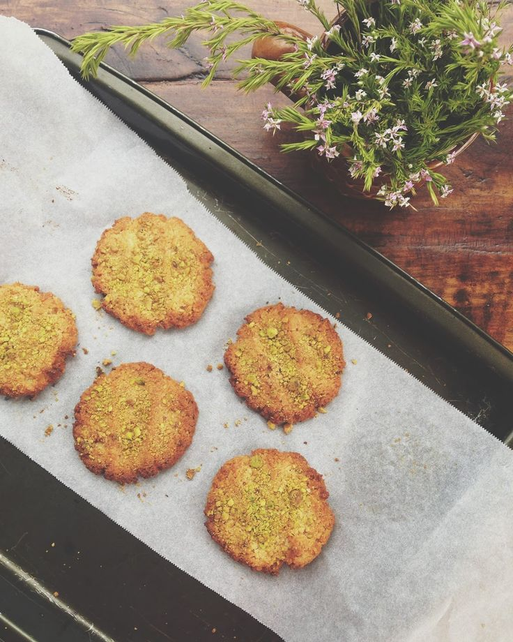 petite kitchen: LEMON & COCONUT MACAROON COOKIES