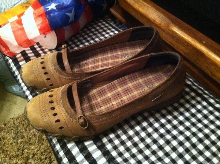 Women's Skechers Mary Jane Brown Casual shoes! Size 9! LOOK #SKECHERS #MaryJanes