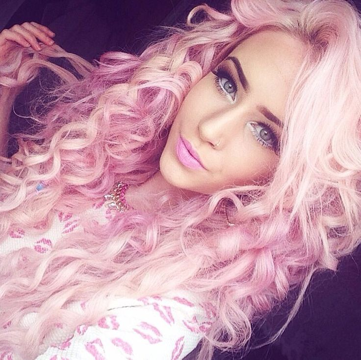 I cannot WAIT to dye my hair like this ^^ Possibly an ombre though, darker at the top