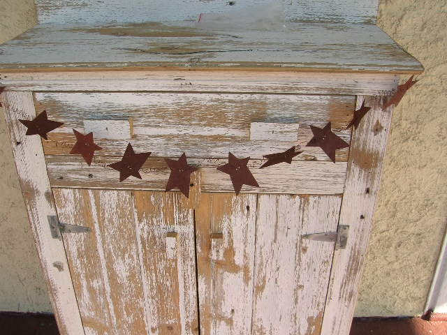 love this! I already have one, now I just need more for the rest of the house!Rusty Wire, Rusty Stuff, Stars Chains, Inch Stars, Rusty Stars, Stars Stuff, Stars Garlands