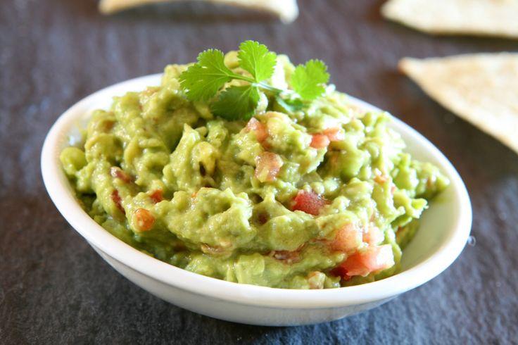 Vous cherchez une solution santé et rafraîchissante comme trempette? Essayez notre recette de guacamole maison! C'est très facile à faire...