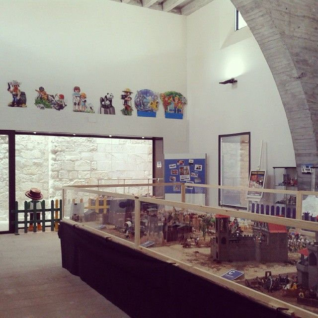 "Exposició ""40 anys jugant amb clicks"" 18 i 19 d'octubre Montblanc #descobreixcatalunya #misterclick #montblancmedieval #stilae #clickania #clickània2014 #catalunya #playmobil #playmo #playmobilfrance #playmofigures #toys #vintage #tarragona #clicks"