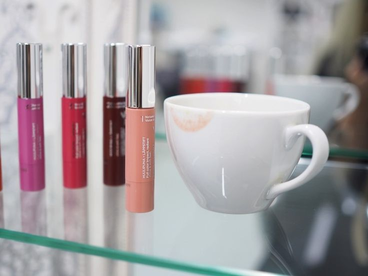 Every woman needs a perfect lipstick! Blogger Noora found her all-time favourite nude shade from Lumene True Passion Lipstick range. #lipstick #lumene