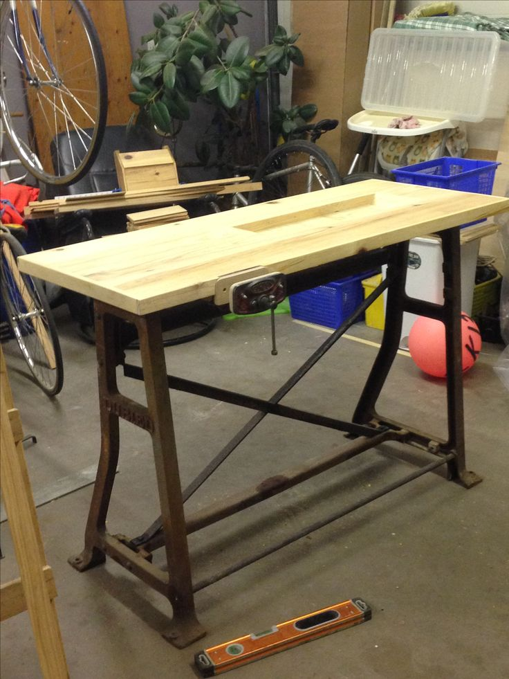 Knitting machine stand > woodwork bench