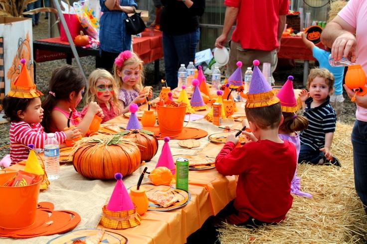 pumpkin birthday party kids table