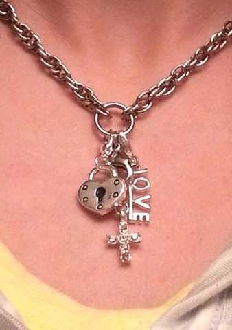 So many ways to make a South Hill Designs creation, doesn't have to be a locket!  www.southhilldesigns.com/kelleypopp