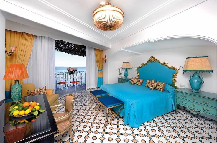 Высокого на скалах над #positano   , с великолепным видом на одну из самых гламурных бухт на побережье #amalficoast   , расположен пятизвездочный отель Il San Pietro di Positano. В отеле 62 номера с террасами и видом на море. В ресторанах подают традиционные блюда местной кухни. А так же: частный пляж, теннисный корт, СПА и бесплатные экскурсии на лодках. от $540 за 1 ночь  >> http://prohotel.ru/hotel-23809/0/