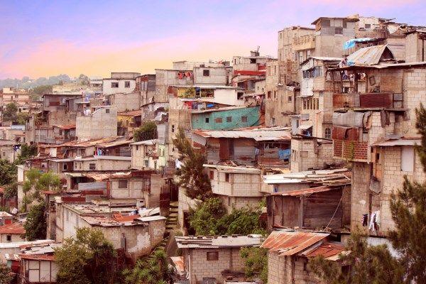 Cómo la pobreza puede dañar el desarrollo científico de las naciones