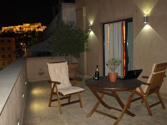 OandB Athens Boutique Hotel: Night View