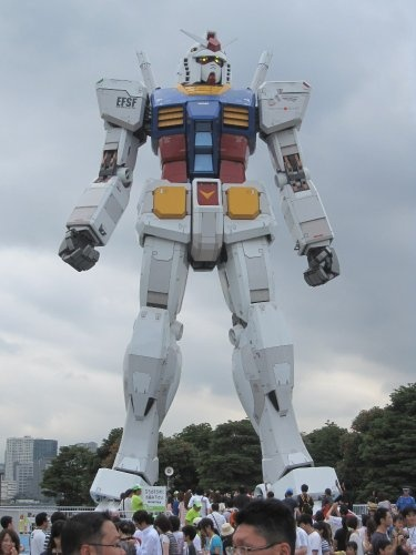 Giant statue of Mobile Suit Gundam in Japan