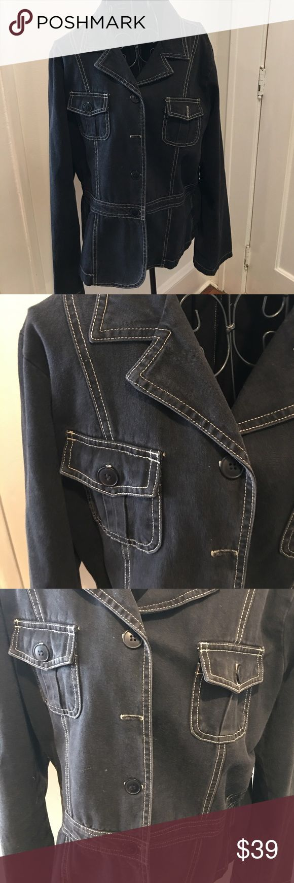 TRUE GRIT JEAN JACKET WITH STYLE XL ONE OF FOUR FRONT BUTTONS MISSING. COULD TAKE FROM SLEEVE BEIGE STITCHING True Grit Jackets & Coats Jean Jackets