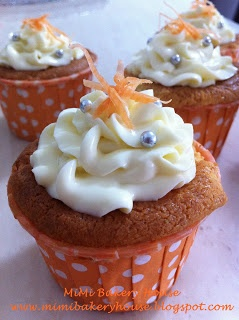 MiMi Bakery House: Carrot Cheese Cupcakes with Cream Cheese Frosting