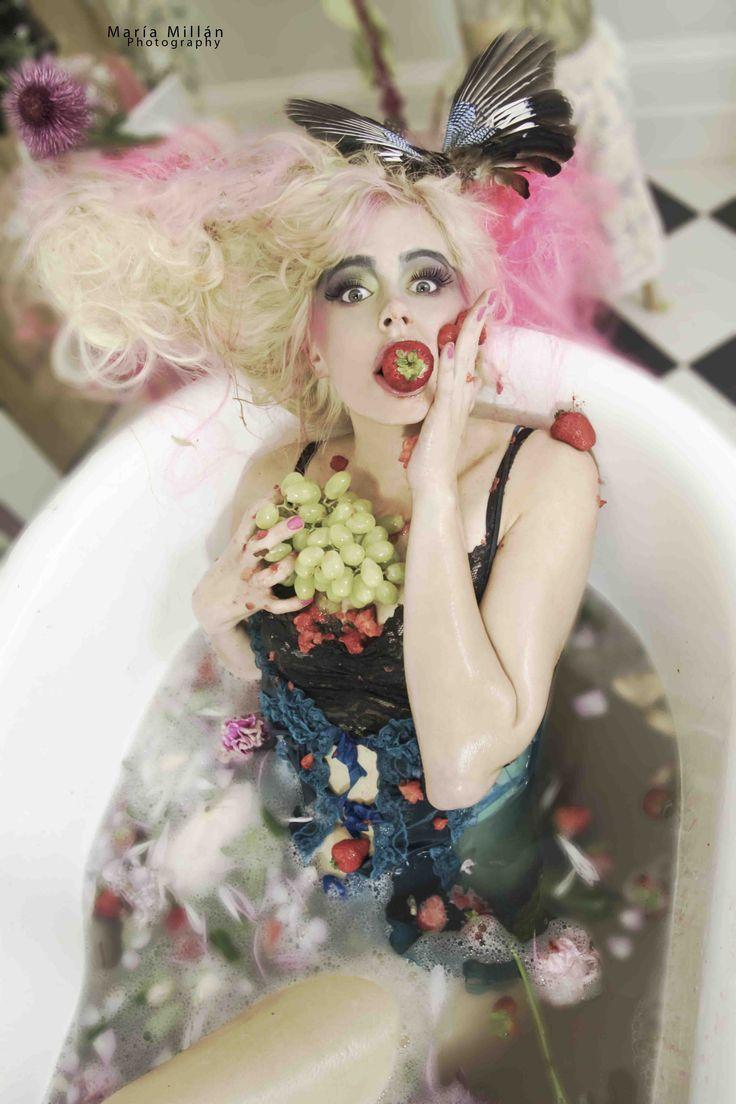 #Bath #Princess #Excentric #Mariamillan #Fashion #Photography #Strawberries #Fruits #colours #summer www.mariamillan.com