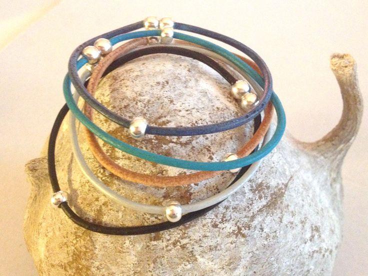 Schlichte und dünne Armbänder aus Leder von mypillowtalk auf DaWanda.com - Geschenkideen