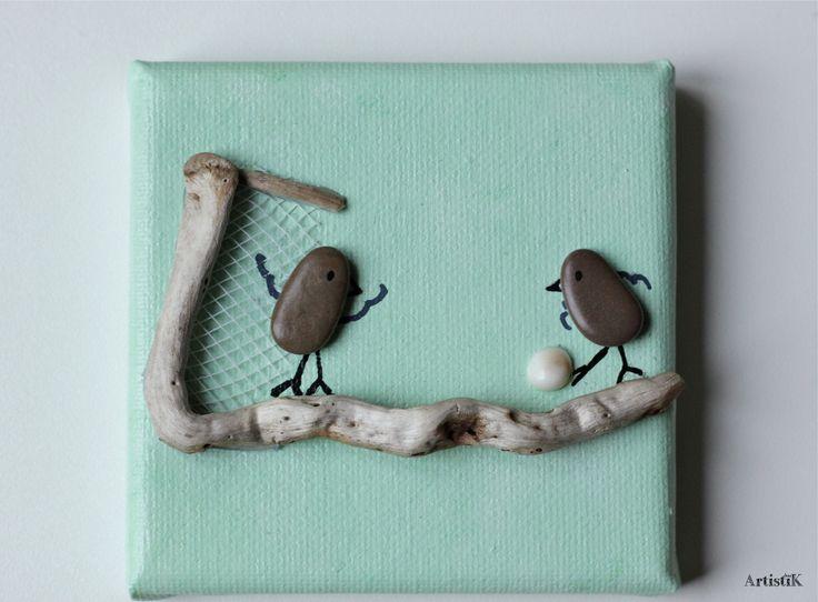 Tableau galets oiseaux bois flotté fond vert eau 'Foot' format 10x10 cm : Décorations murales par artistik