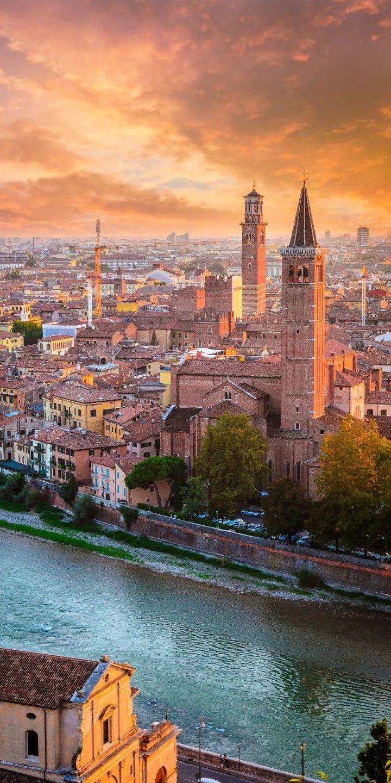 Pin Von B Ki Auf Arcitechture Buildings Verona Italien Etsch