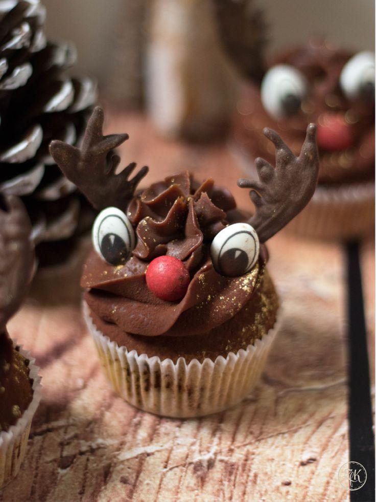 Weihnachtsmuffins mit Schokoladen-Gewürz-Ganache & Rentier-Deko