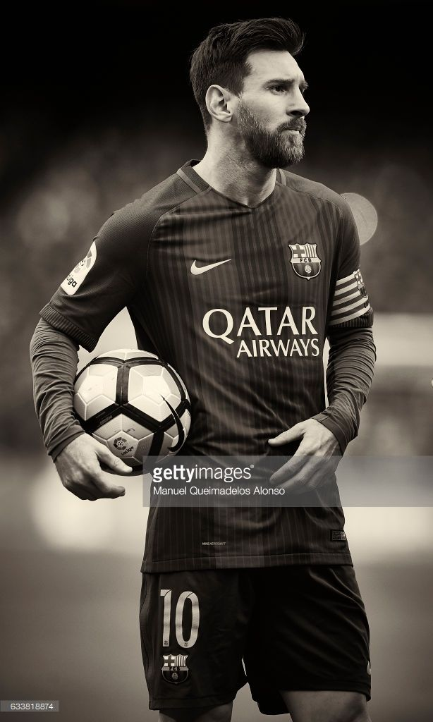 Lionel Messi of Barcelona looks on prior to the La Liga match between FC Barcelona and Athletic Club at Camp Nou Stadium on February 4, 2017 in Barcelona, Spain.