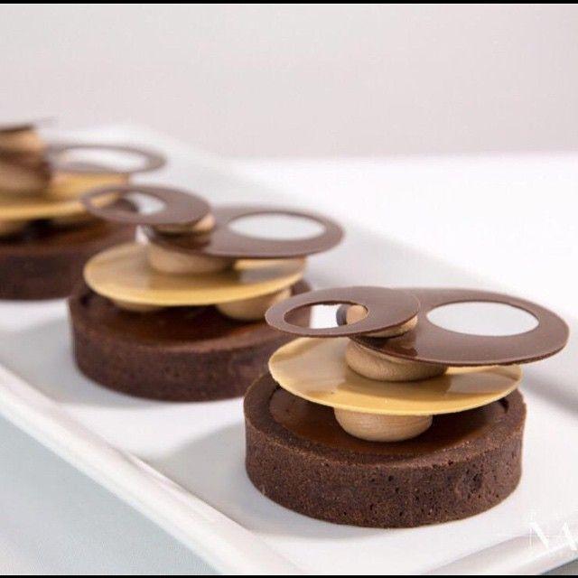 @bachour1234 Guanaja and Jivara tart made during his hands-on class in Miami by @patnashpics