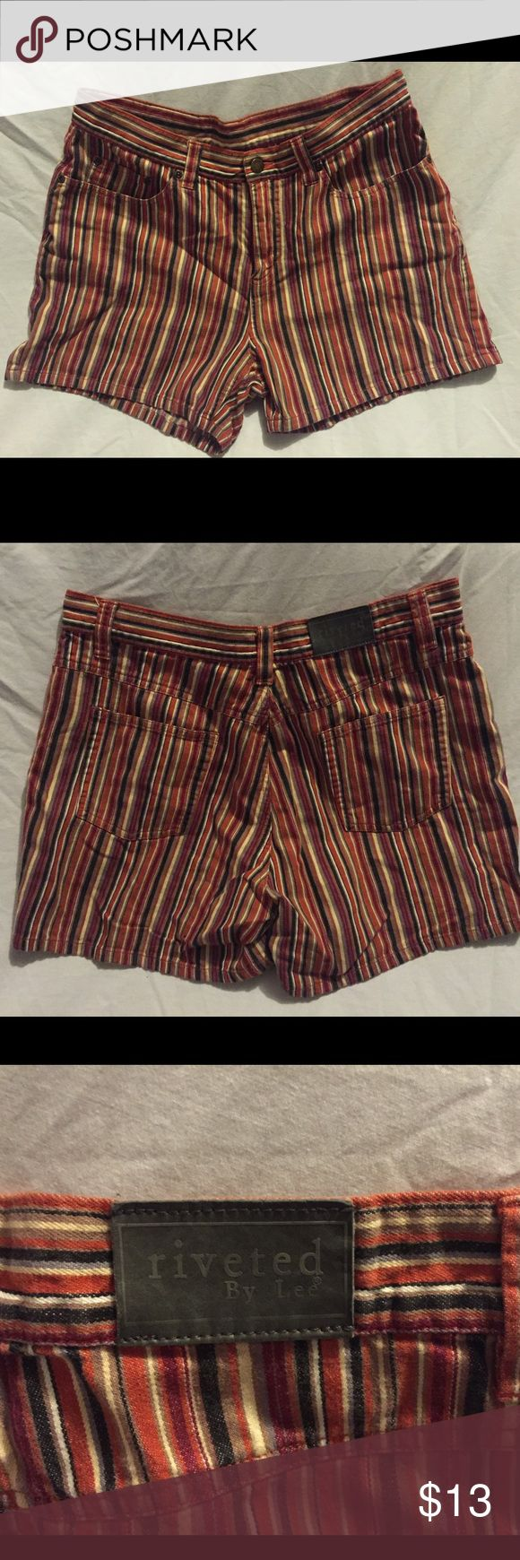 Women's Retro Colored Striped Shorts 💛 Size Medium High Waist Shorts, vintage and super comfortable. With Black, orange cream grey maroon purple stripes all blended very nicely. 100% cotton Lee Shorts Skorts
