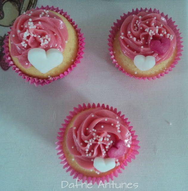 Cupcakes da Barbie com coração | www.docearte.blog.br