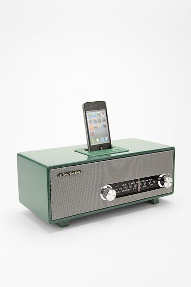 Crosley GB-Stereoluxe Lautsprecher-- I would want this so much more if it weren't from Urban Outfitters...Urbanoutfitters, Urban Outfitters, Ipods Dock, Mp3 Dock, Stereolux Vintage, Iphone, Ipods Touch, Dock Speakers, Vintage Radios