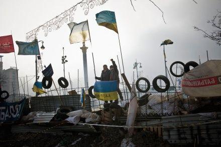 """One of the winners of Czech Press Photo 2014 - Karel Cudlin and his picture from Kyiv protests / Cenu ČTK v soutěži Czech Press Photo 2013 získal Karel Cudlín za snímek """"Majdan nezaležnosti"""""""