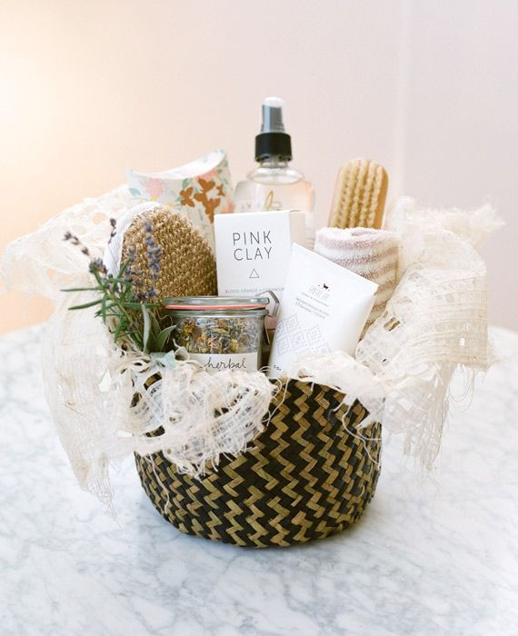 DIY Bridesmaid gift idea | Pamper Basket | Photo by Esther Sun | 100 Layer Cake