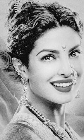 "Priyanka as kashibai in ""Bajirao Mastani"".she have extremely eye catching look,typical Marathmoli."