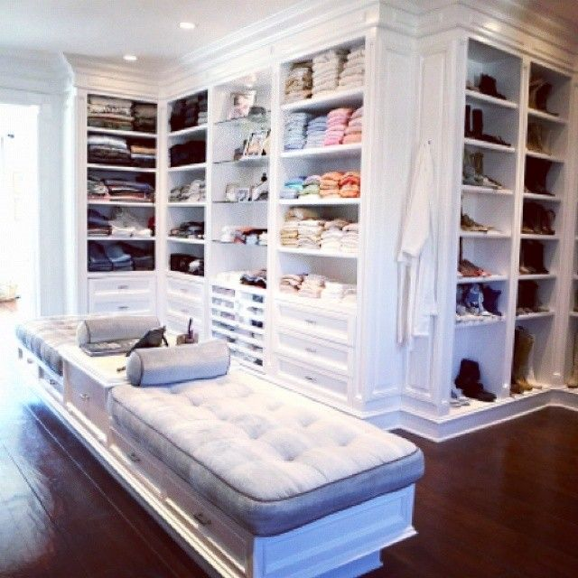 master bedroom with walk in closet instagram post by quest 227 o de ordem questaodeordem 20700