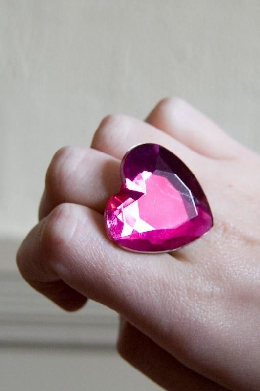 Heart gem ring