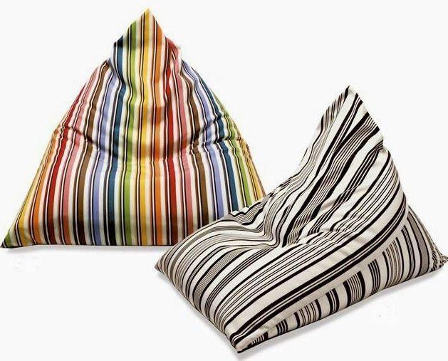 Este puff es muy practico, ya que es bastante simple de realizar y se puede hace la variante para realizar un almohadón de cama en lugar...