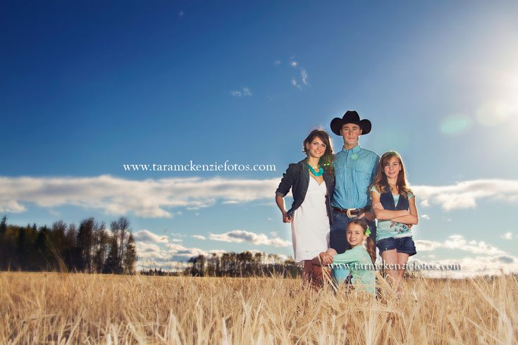 Family photography, #western, #wheatfield. Modern Family, #Blue, cowboy , Farm family www.taramckenziefotos.com