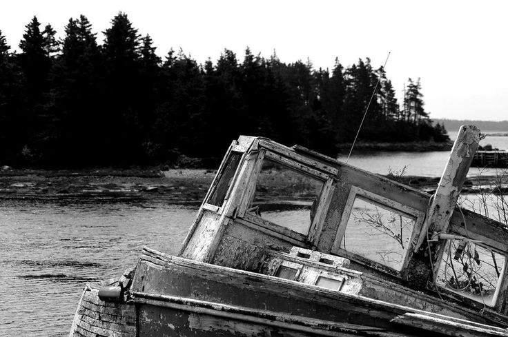 Abandoned Boat by Bob Betts on 500px
