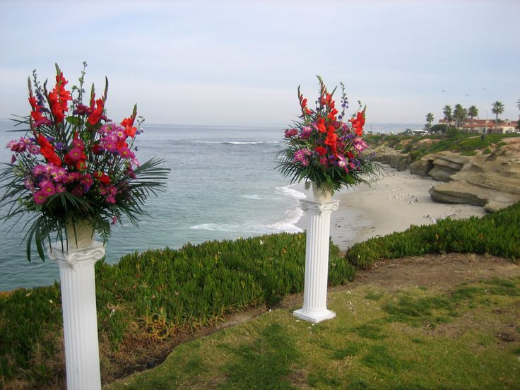 Ceremony Flowers On Pillars La Jolla Wedding Bowl At Cuvier Park