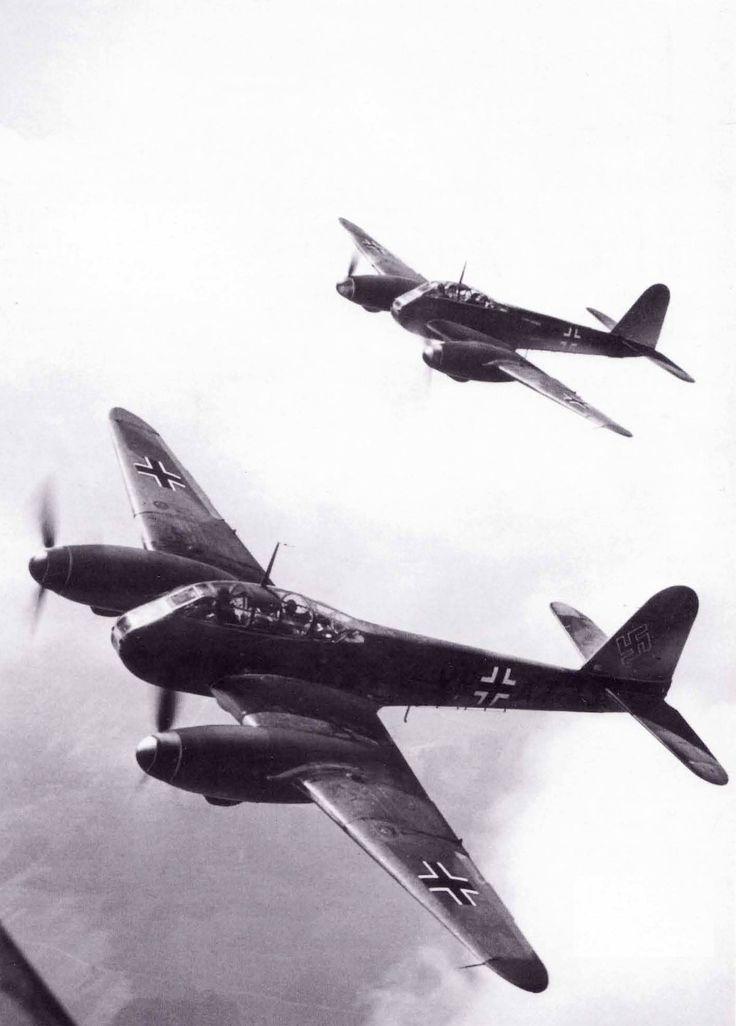 Messerschmitt Me 210A1 Hornisse (VN+AT) WNr 210182 in flight 1942