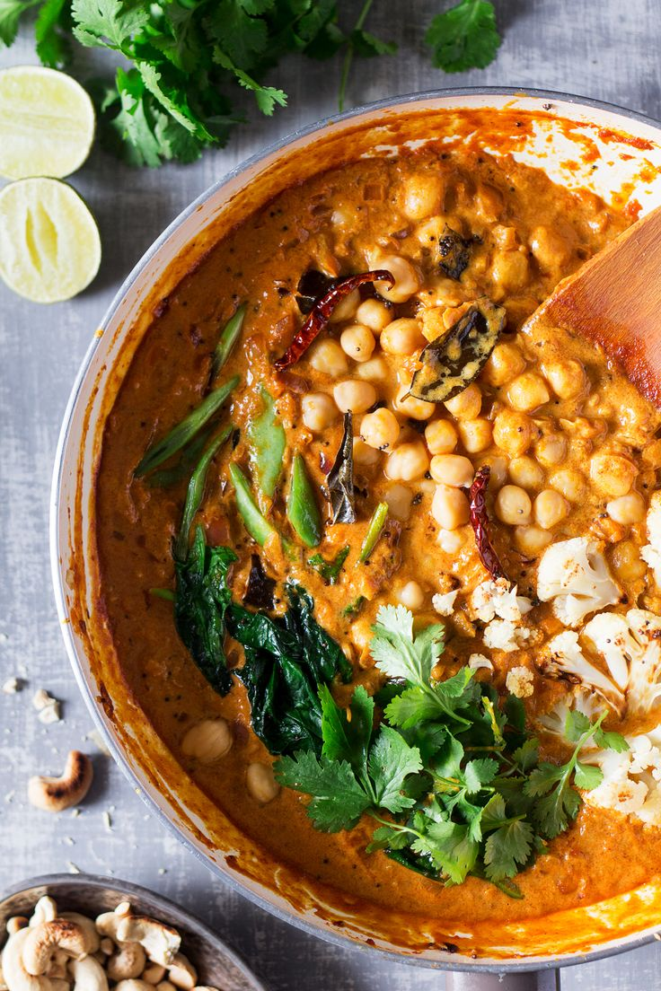 Our vegan Malabar curry is a delicious veggie curry based on a Keralan classic. Its spiciness is balanced by the soothing coconut. Naturally gluten-free.