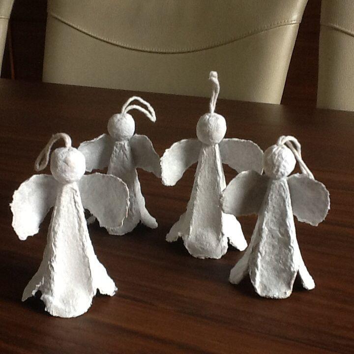 Engeltjes, gemaakt van lege eierdoosjes. Gemaakt door Joke Timmer.
