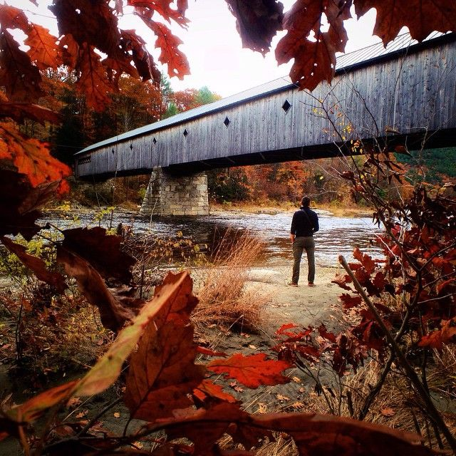 Visited some of the most stunning covered bridges in Vermont with @zachspassport.  Having all the Fall foliage was an extra special treat #ChasingCoveredBridges #litely