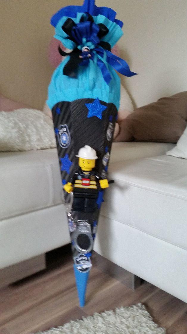 Inspiration für den Schulanfang und die Einschulung: SCHULTÜTE Polizei ;-) mit Lego Taschenlampe / inspiration for the first day of school made by lena14-94 via DaWanda.com