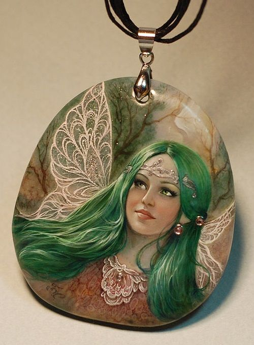 Fairy with emerald hair and green eyes, pendant
